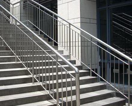 不锈钢楼梯扶梯
